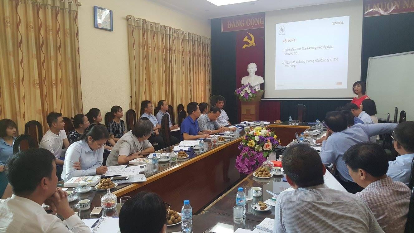 Chuyên gia Đặng Thanh Vân và tổ chuyên gia tư vấn chiến lược tại doanh nghiệp