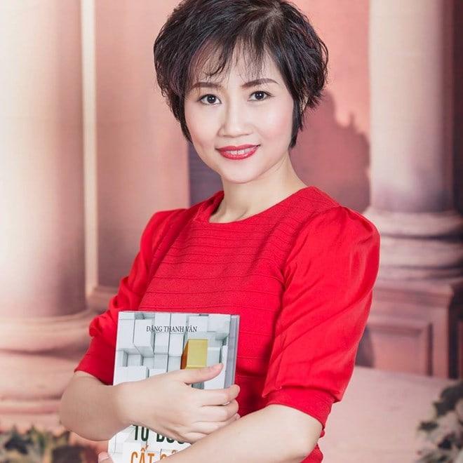 Bà Đặng Thanh Vân, chuyên gia tư vấn chiến lược thương hiệu, tổng giám đốc Thanhs