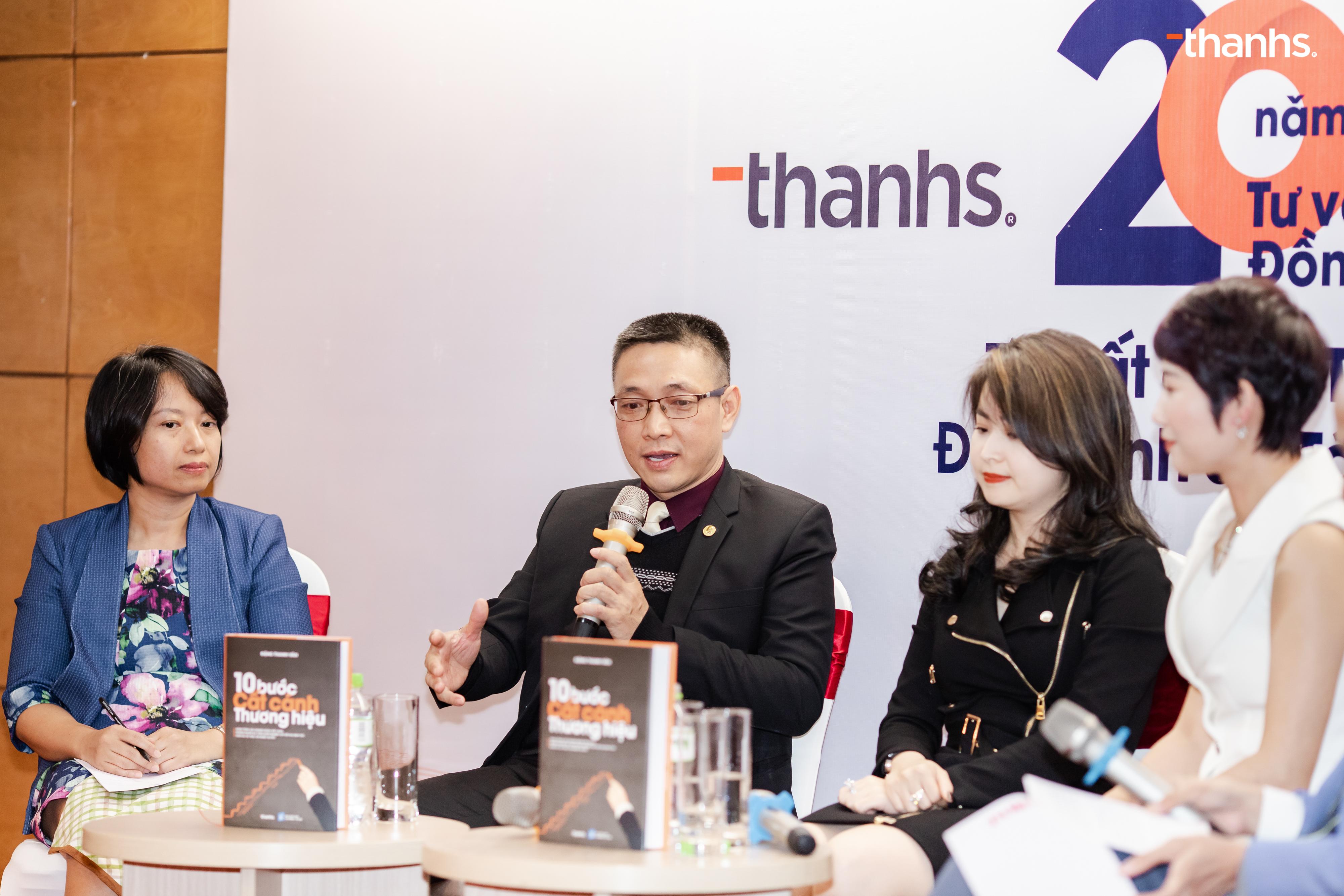 Chuyên gia Trương Quang Minh chia sẻ về cuốn sách trong Tọa đàm tại Sự kiện